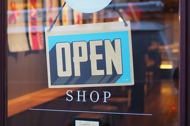 online store 33d0e fbf66 I MIGLIORI 13 NEGOZI DI SPORT ONLINE | Scarpe e abbigliamento